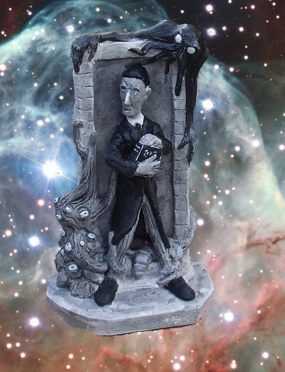 Lovecraft statue