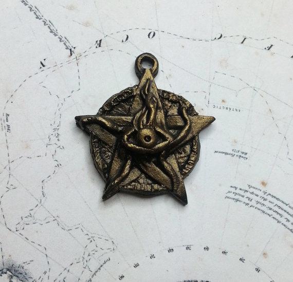 elder-sign-amulet