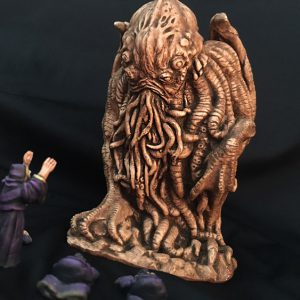 cthulhu idol statuette with cultists