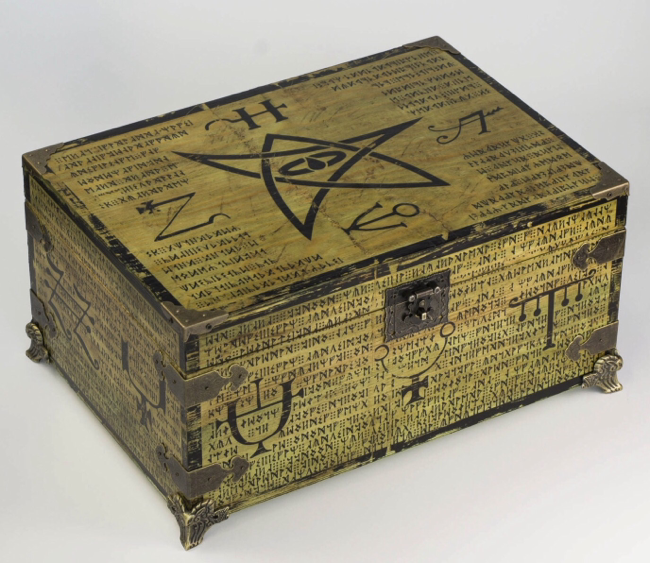 Elder sign box