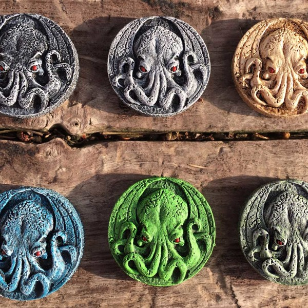 cthulhu medallion magnet colors
