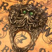 cthulhu planchette green eyes